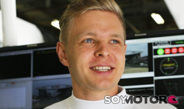 El empeoramiento de Magnussen, parte de la curva de un debutante según Boullier - LaF1.es