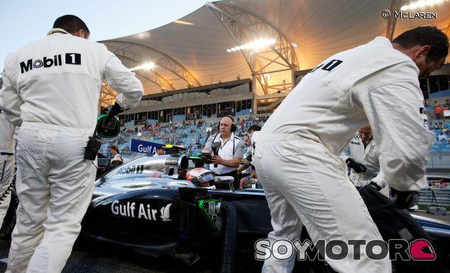 Kevin Magnussen y su McLaren en el pasado Gran Premio de Baréin - LaF1