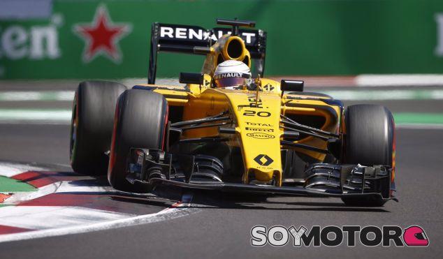 Magnussen durante la carrera en México - LaF1