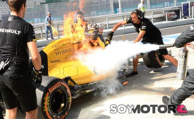 Magnussen salió rápidamente del coche - LaF1