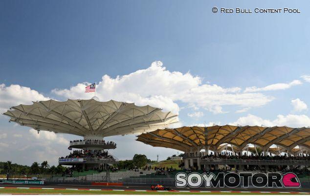 El circuito de Sepang durante la carrera esta temporada - LaF1