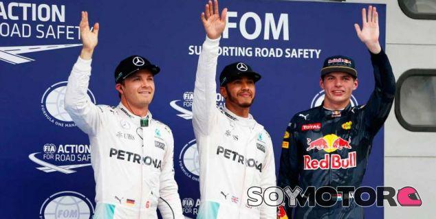 Hamilton aventaja en cuatro décimas a Rosberg y se lleva la Pole Position - Soymotor.com