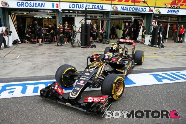 En el alerón delantero, en el trasero, en los retrovisores... El logotipo de PDVSA está muy prensente en el Lotus - LaF1