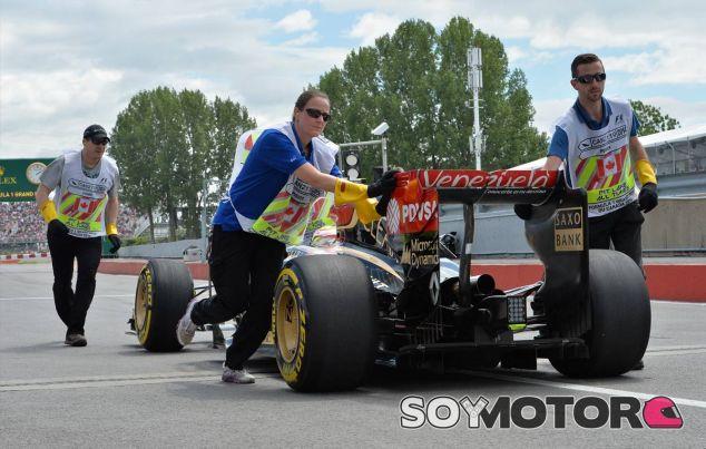 Los comisarios de Montréal devuelven el E22 averiado de Maldonado - LaF1