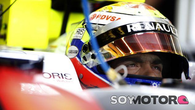 Pastor Maldonado dentro del Williams FW35 - LaF1