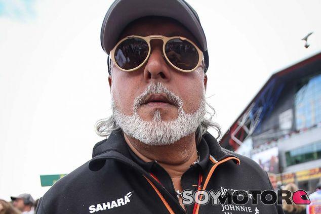 Vijay Mallya en Silverstone - SoyMotor.com