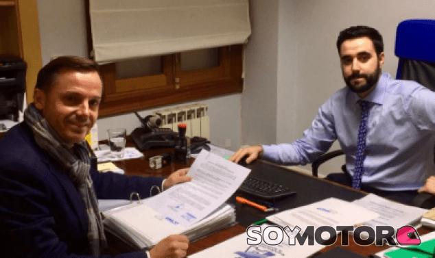 Manuel Aviñó presenta sus avales en las oficinas de la RFEDA - LaF1