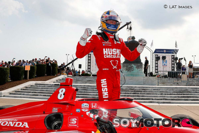 Marcus Ericsson celebra su victoria en Detroit - SoyMotor.com