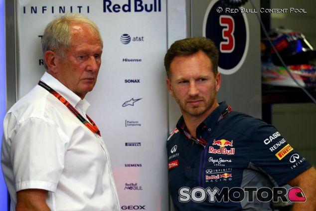 Helmut Marko y Christian Horner durante los entrenamientos del Singapur - LaF1