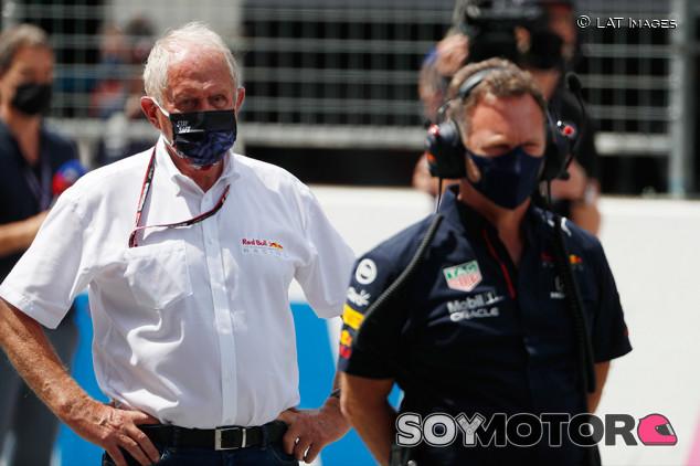 """Marko pide la suspensión para Hamilton: """"Verstappen está en shock"""" - SoyMotor.com"""
