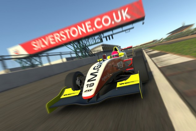 Marta García redondea su gran campeonato con dos victorias en Silverstone - SoyMotor.com
