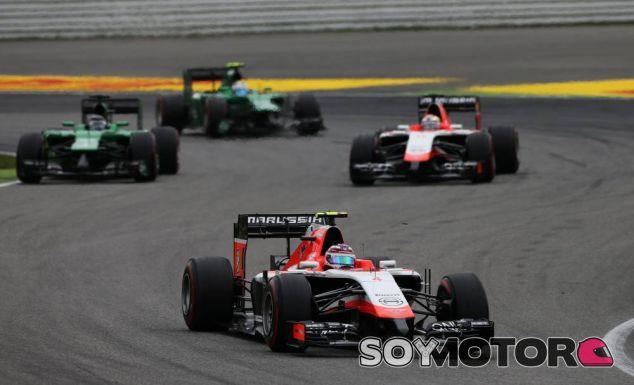 Max Chilton y Jules Bianchi, luchando contra los dos Caterham en el GP de Alemania F1 2014 - LaF1