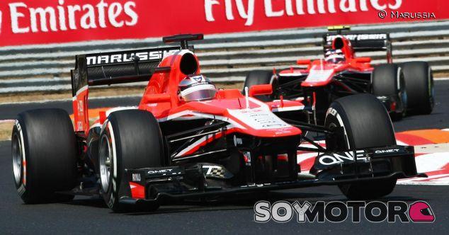 Jules Bianchi y Max Chilton, pilotos de Marussia, en la carrera del GP de Hungría