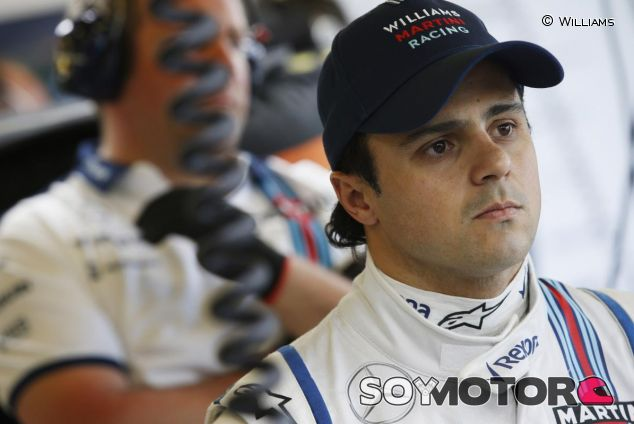 Felipe Massa en el box de Williams - LaF1.es
