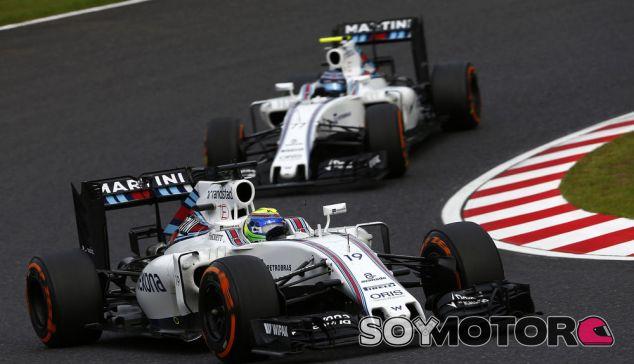 Bottas y Massa durante un Gran Premio esta temporada - SoyMotor