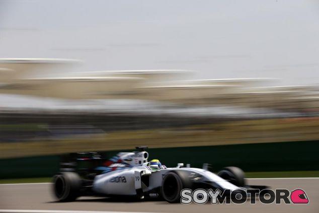 Felipe Massa, a toda velocidad en Shanghái - LaF1