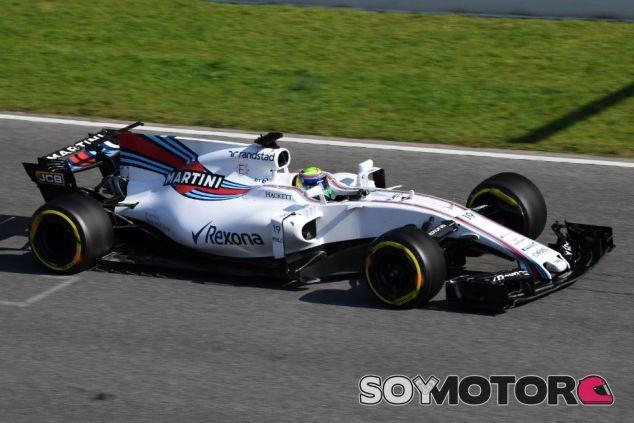 Felipe Massa durante el primer día de tests en el Circuit de Barcelona-Catalunya - SoyMotor