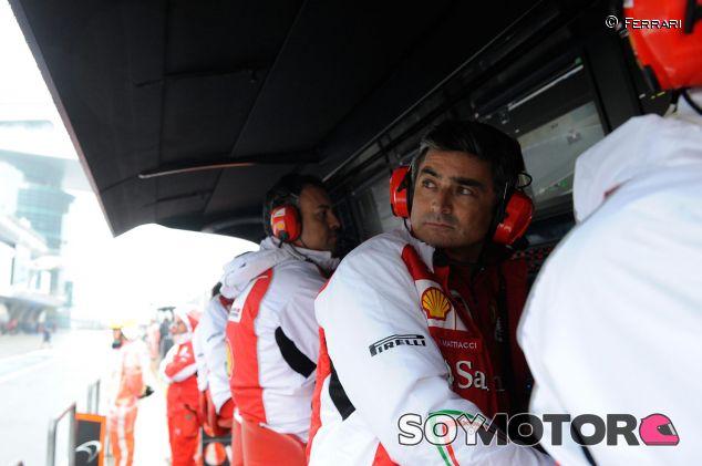 Marco Mattiacci en el Pit Wall de Ferrari - LaF1