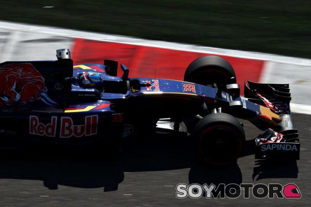 Max Verstappen abandona en el Gran Premio de Rusia - LaF1