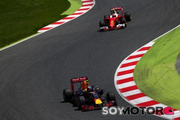 Verstappen y Räikkönen lucharon por la victoria - LaF1