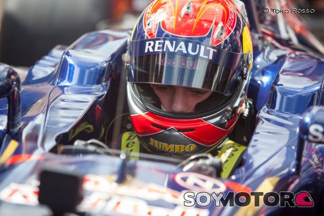 Max Verstappen en una exhibición en Róterdam - LaF1