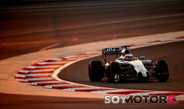 Kevin Magnussen durante la pretemporada, en los test de Baréin - LaF1