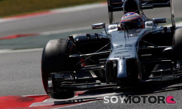 Jenson Button y su MP4-29 en Montmeló - LaF1