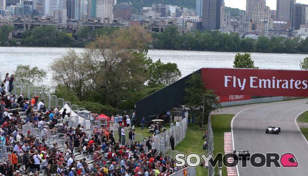 Jenson Button en el Gilles Villeneuve, frente a la ciudad de Montréal - LaF1