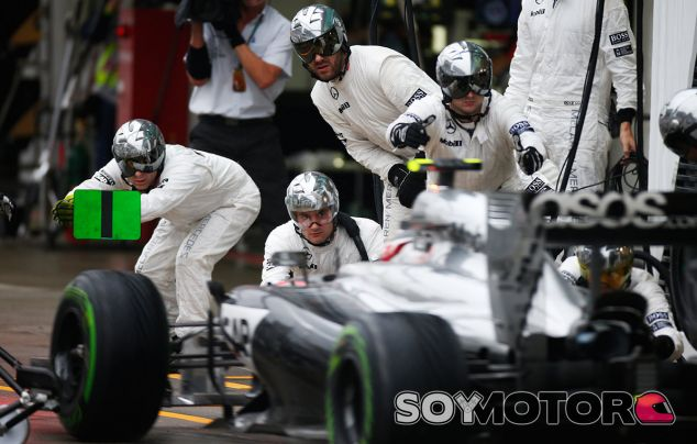 """Dennis critica a Mercedes: """"No recibimos los mejores motores"""" - LaF1.es"""