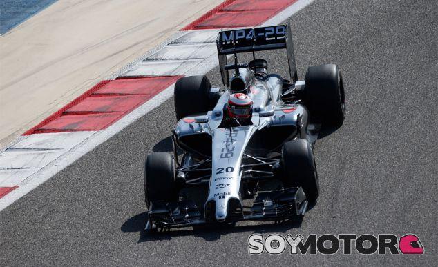 Kevin Magnussen en los test de Baréin - LaF1