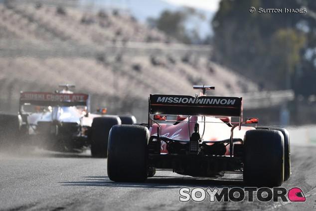 """Vettel: """"Todavía es difícil seguir y adelantar a otros coches"""" - SoyMotor.com"""