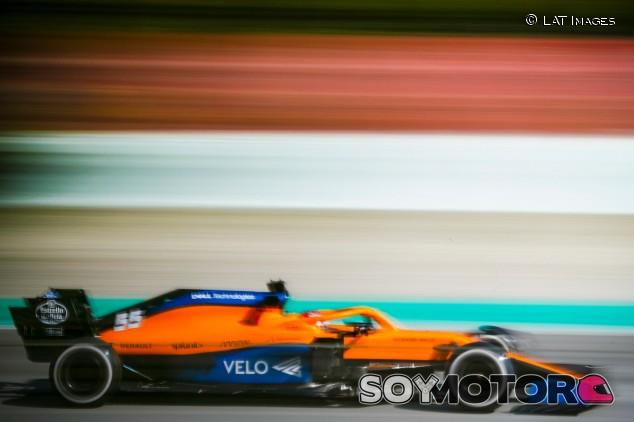 Carlos Sainz en la pretemporada 2020 de F1 - SoyMotor.com