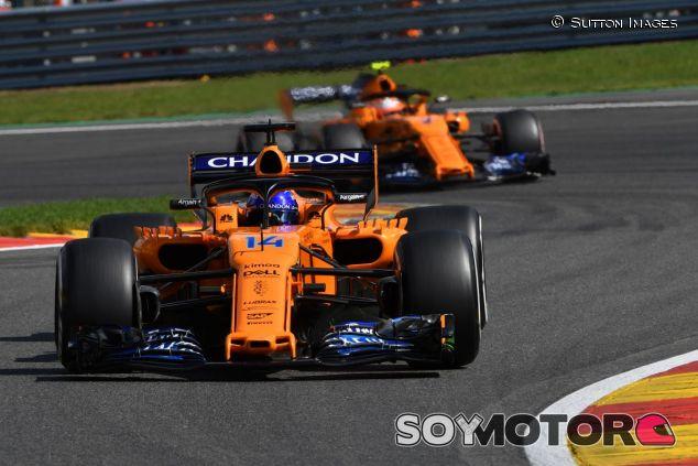 Fernando Alonso y Stoffel Vandoorne - SoyMotor.com
