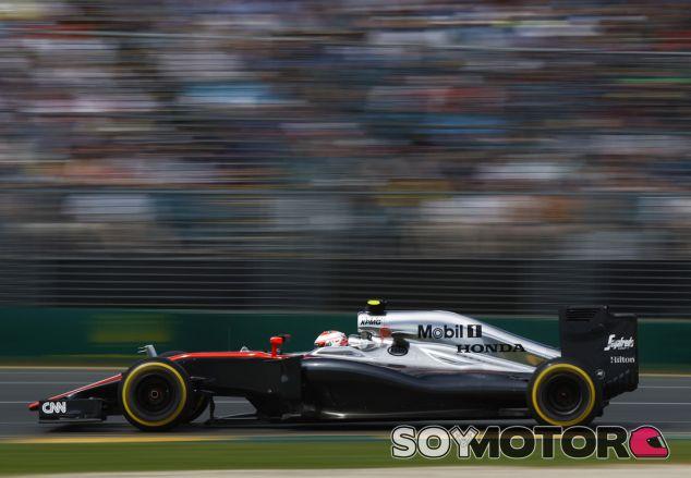Jenson Button en la pista de Albert Park - LaF1.es
