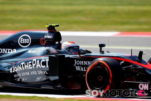 McLaren renueva con Johnnie Walker - LaF1