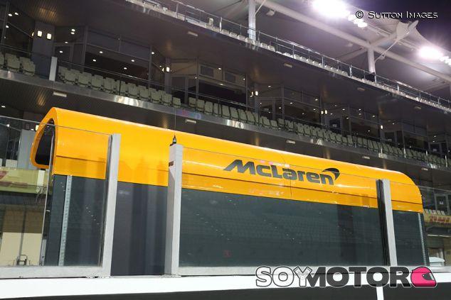 Muro de McLaren en Yas Marina - SoyMotor.com