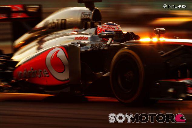 Jenson Button con el MP4-28 en Abu Dabi - LaF1