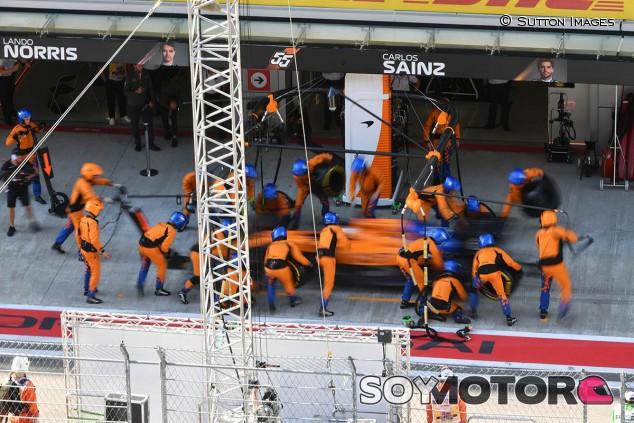 McLaren tiene un plan para alcanzar a los mejores equipos en boxes - SoyMotor.com