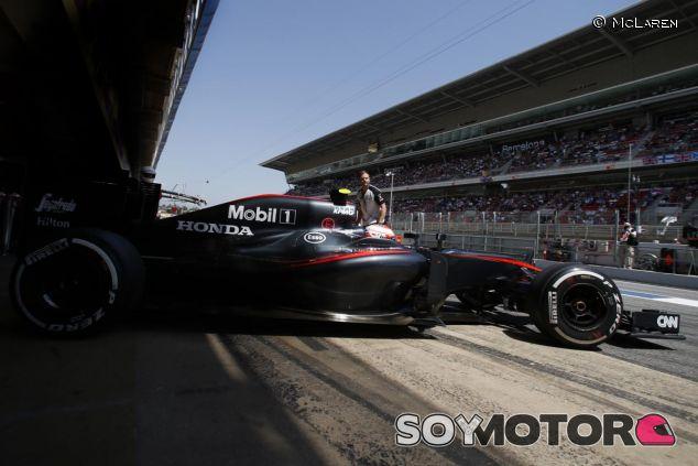 El McLaren-Honda en los test in season de Montmeló - LaF1.es