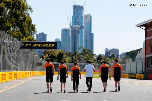 McLaren y la odisea de volver a casa: tres vuelos en 48 horas - SoyMotor.com