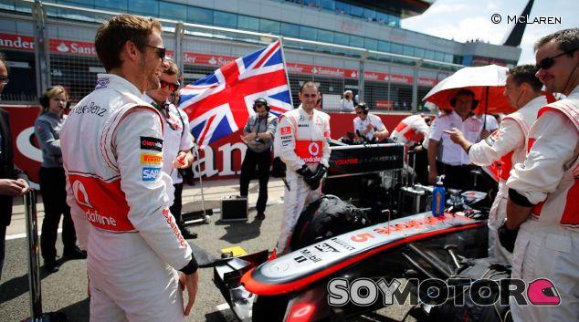 Jenson Button en la parrilla de salida del GP de Gran Bretaña