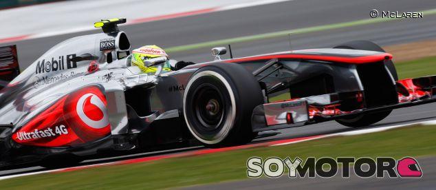 Sergio Pérez durante los entrenamientos en Silverstone
