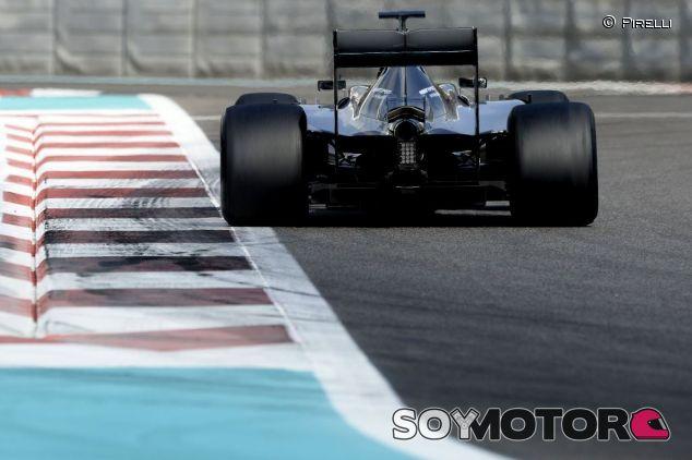 Mercedes en el test Pirelli en Abu Dabi - SoyMotor