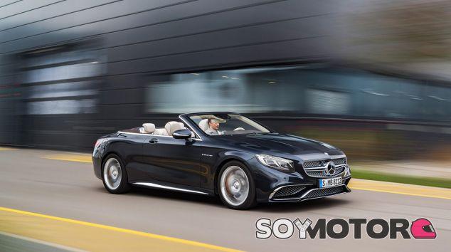 El Mercedes-AMG S 65 Cabrio marca diferencias en su gama con su motor V12 - SoyMotor
