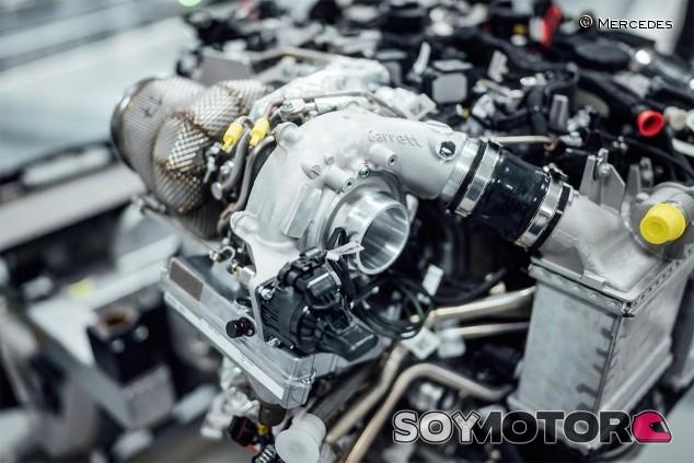 Mercedes-AMG crea un turbo tipo MGU-H para sus coches de calle - SoyMotor.com