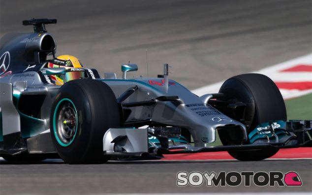 Lewis Hamilton y su W05 en Baréin - LaF1