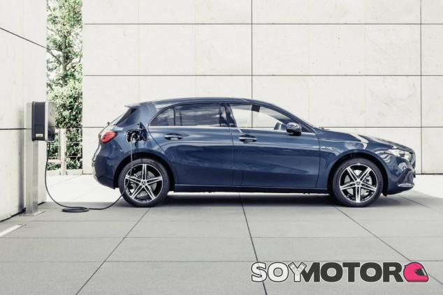 Mercedes-Benz Clase A híbrido enchufable - SoyMotor.com