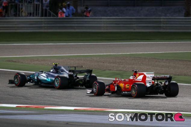 Mercedes y Ferrari se han repartido las victorias en 2017 - SoyMotor.com