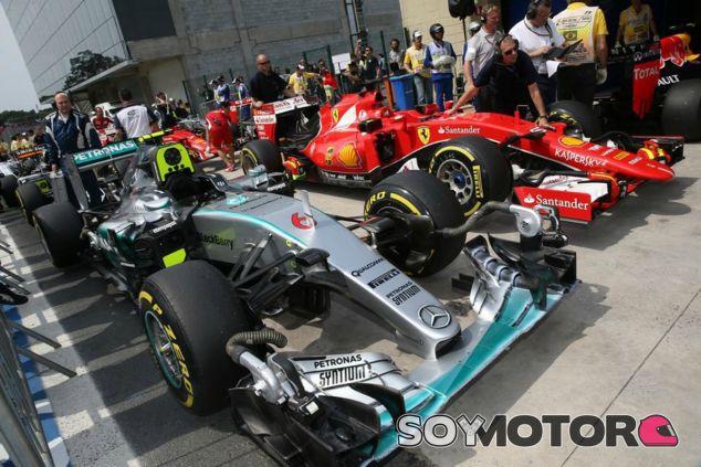 La batalla Mercedes-Ferrari se traslada fuera de la pista - LaF1