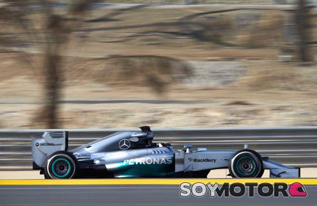 Lewis Hamilton a los mandos del W05 Hybrid - LaF1